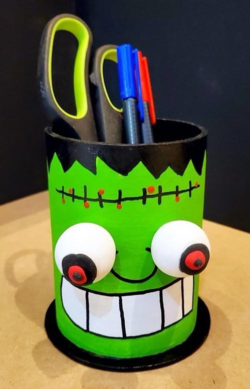 Frankenstein pen holder 4